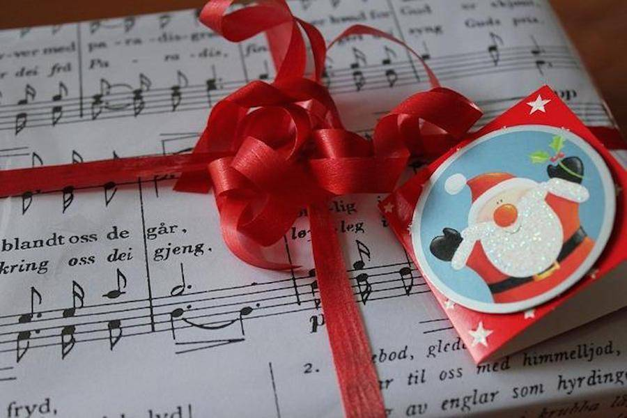 The Economics of Christmas Songs: When to start playing Jingle Bell Rock?