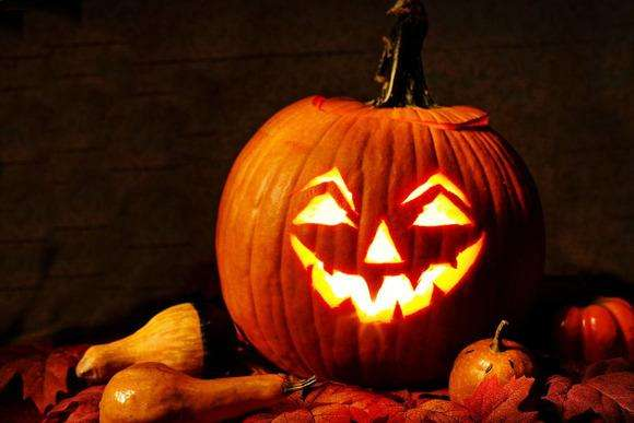 8 Halloween Costumes for Economists